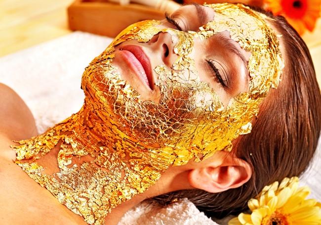 perawatan kecantikan dengan emas