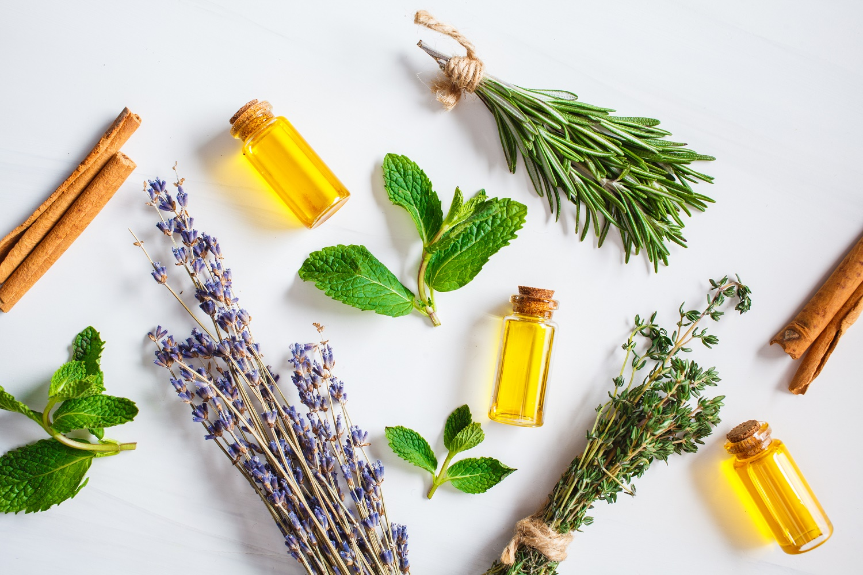 minyak essential oil